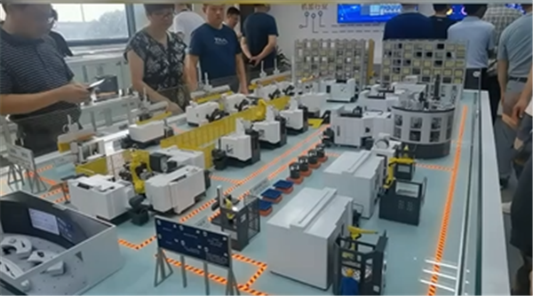 走進偉立機器人——智能工廠締造者
